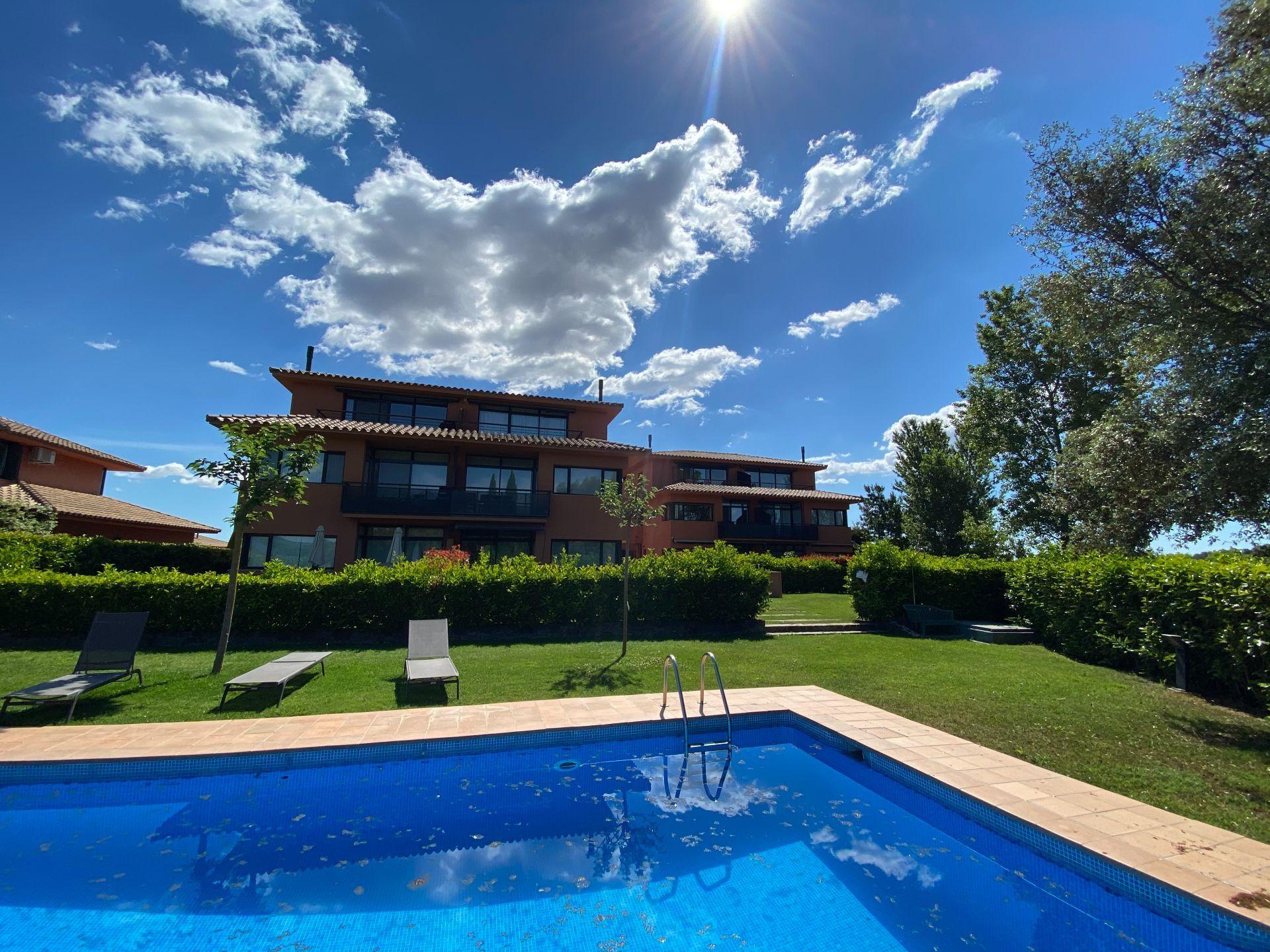 Dúplex en Navata, TorreMirona Golf & Spa, venta