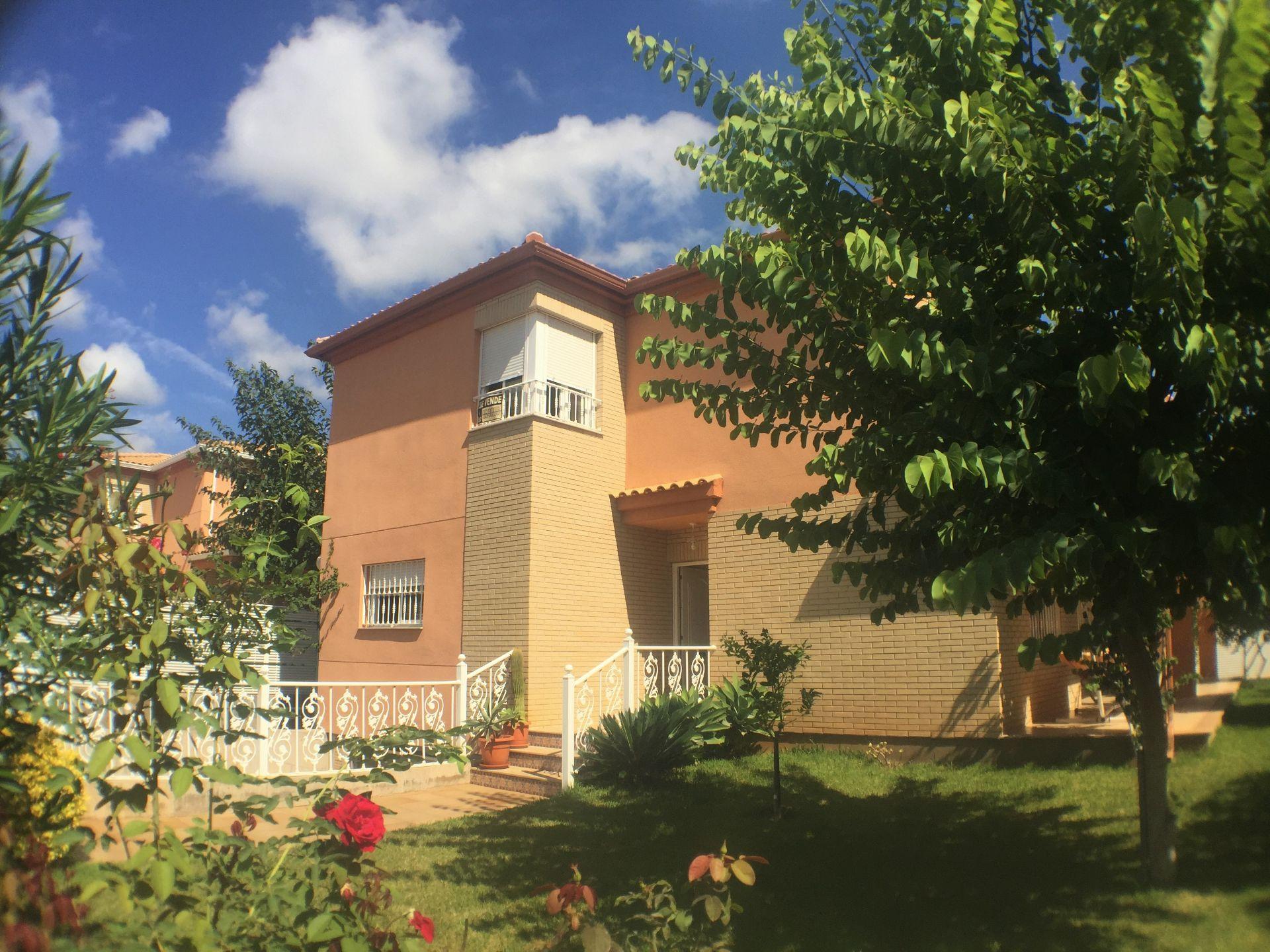 Villa in Benicasim/Benicàssim, ZONA PUEBLO, for sale