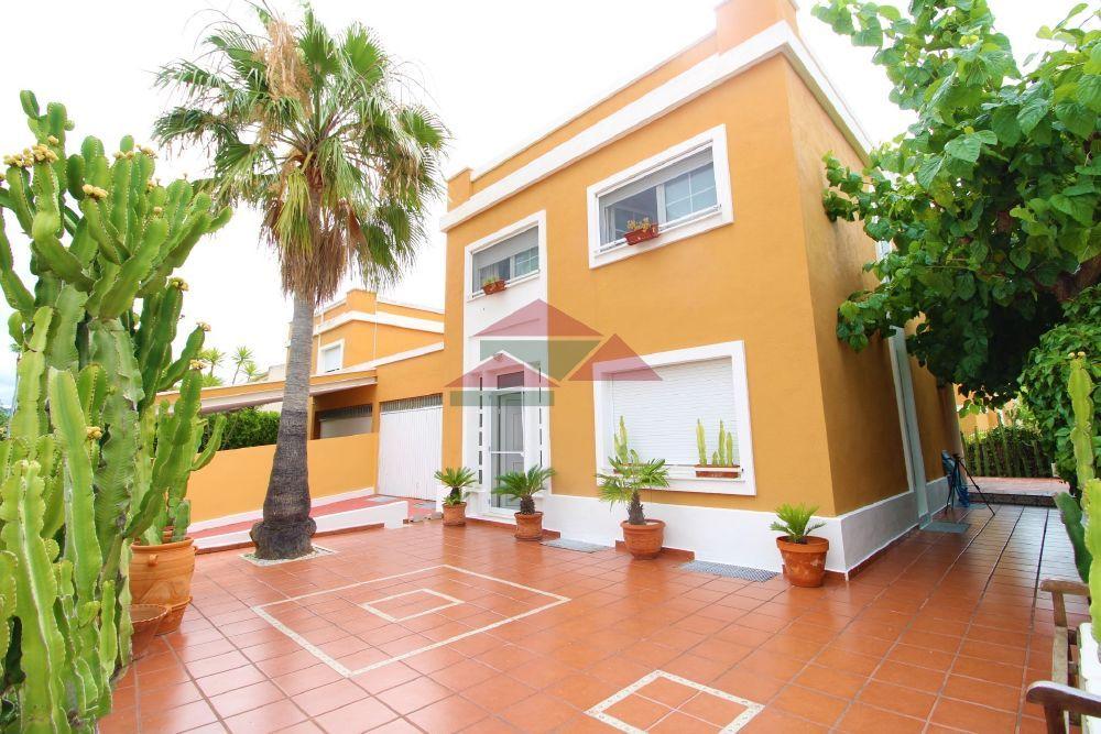 Villa in Benicasim/Benicàssim, ZONA ESCUELA DE VELA, for sale