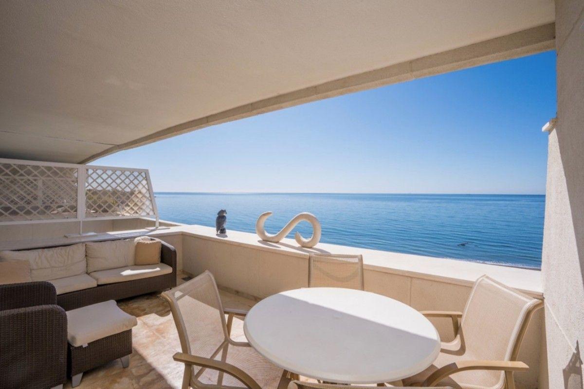 Apartamento en Estepona en primera linea de playa