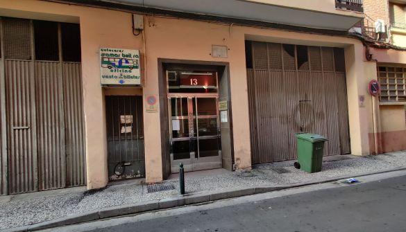 Local comercial en Zaragoza de 9 habitaciones