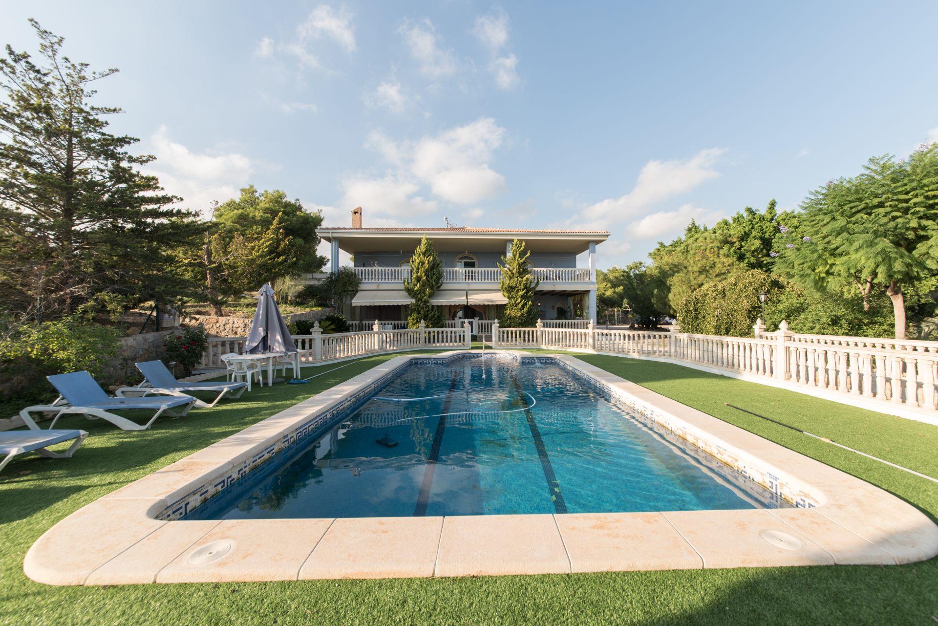 Villa de Lujo en Crevillente, crevillente, venta
