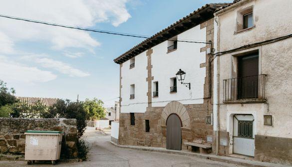 Casa de pueblo en Siétamo de 5 habitaciones
