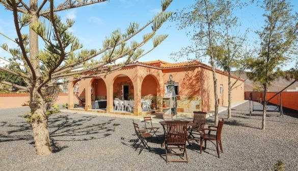 Villa in Antigua, Los Alares, for sale
