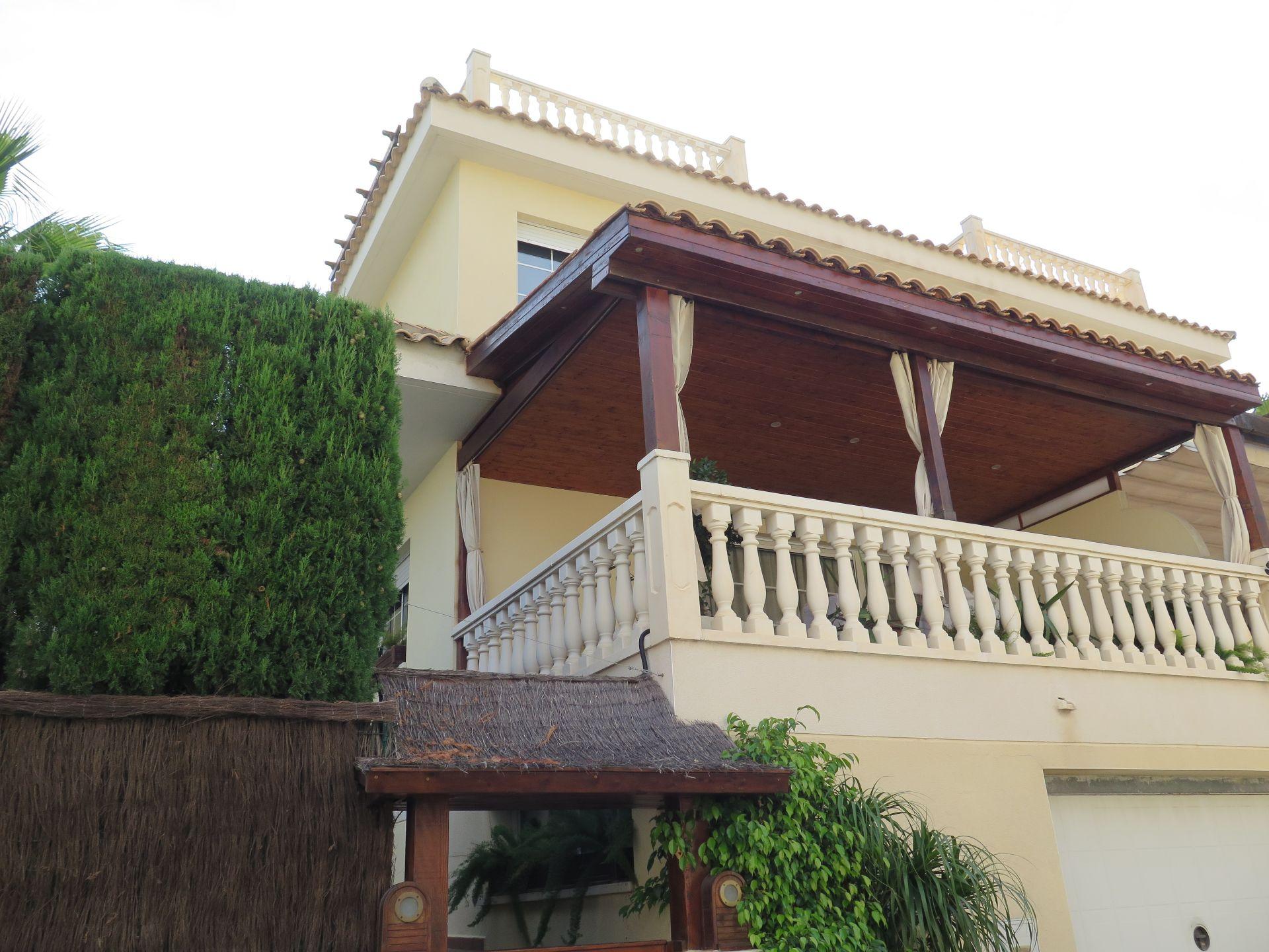 Casa adosada en La Nucia, venta