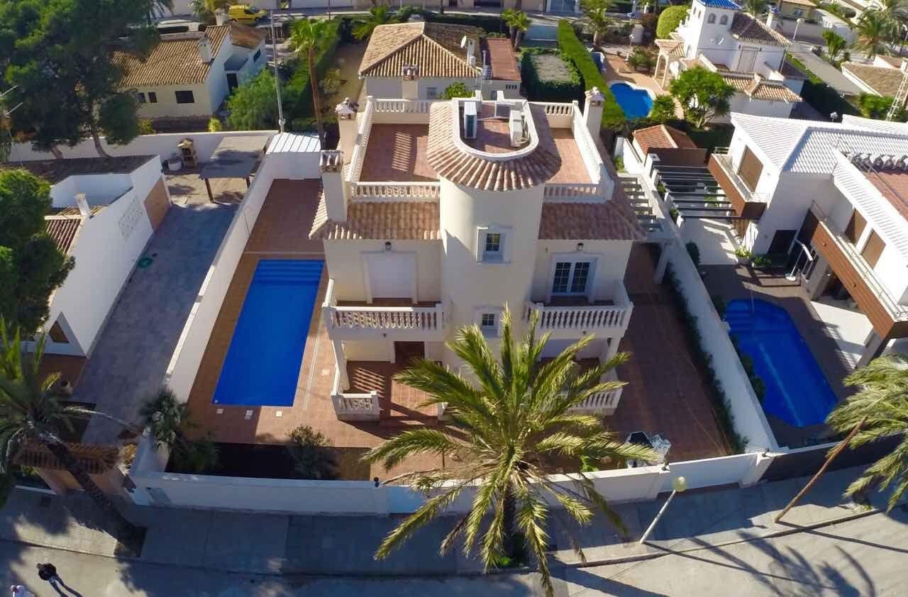 Villa de Lujo en Orihuela Costa, Cabo Roig, venta