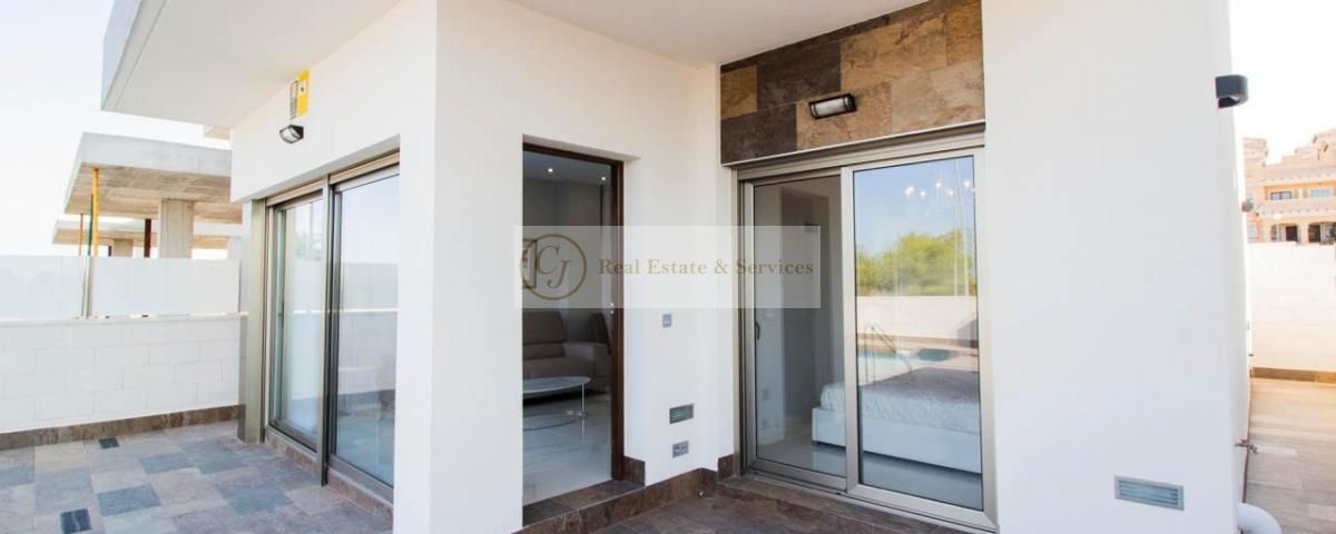 Villa in Orihuela Costa, for sale