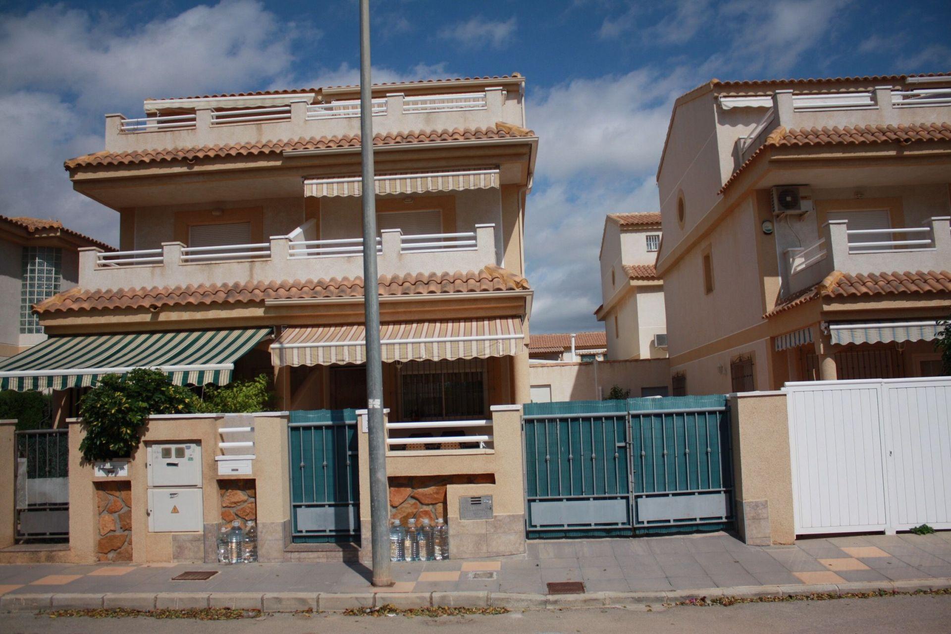 Villa in Torre de la Horadada, for sale