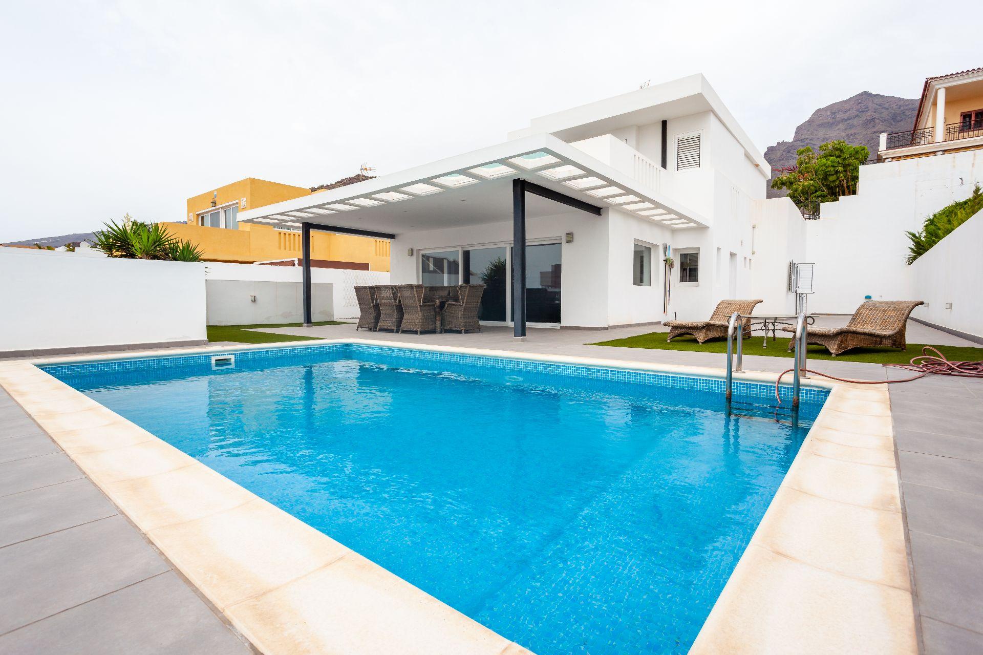 Villa de Lujo en Adeje, Madroñal, venta