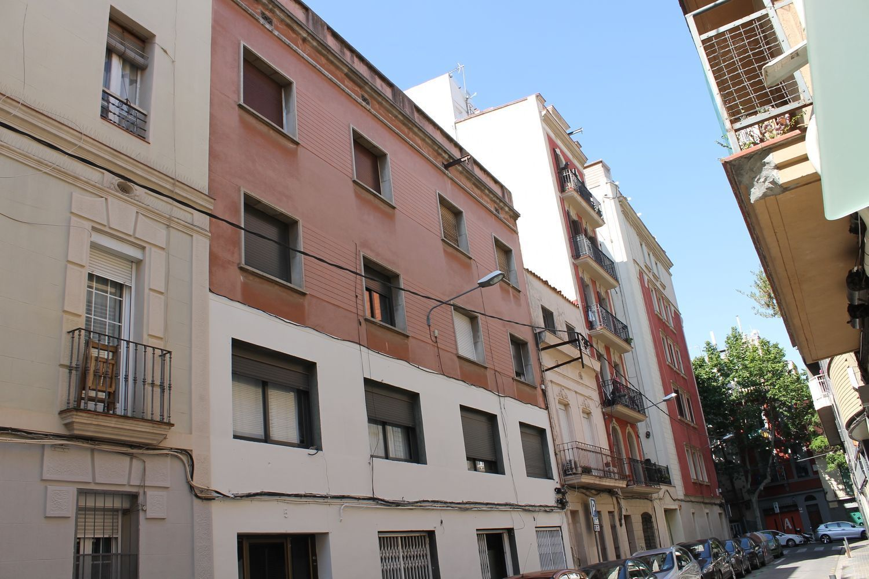 Edificio en Barcelona, Sants-Montjuïc, venta