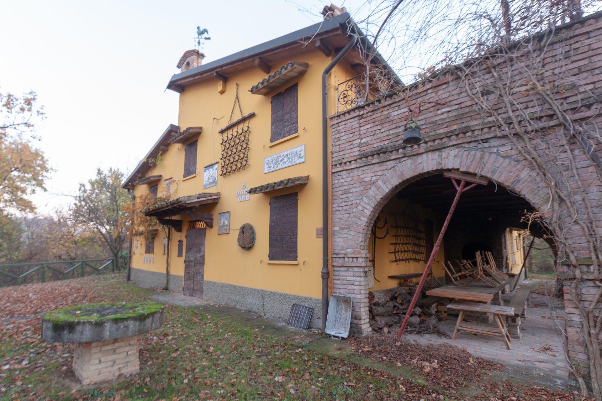 Casa de campo en Maranello, Collinare Modenese, venta