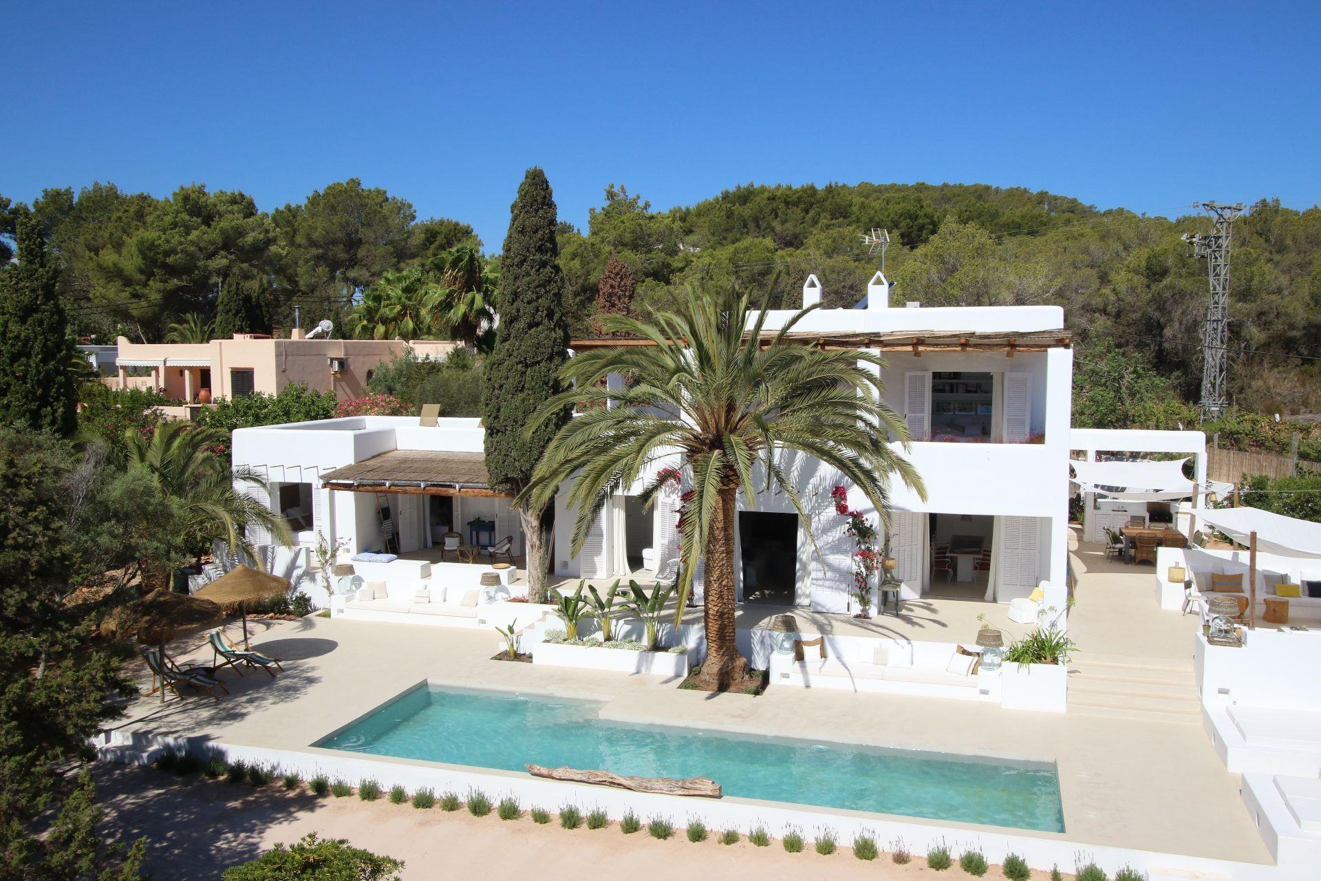 Luxury Villa in Santa Eulalia del Río, San Carles, holiday rentals