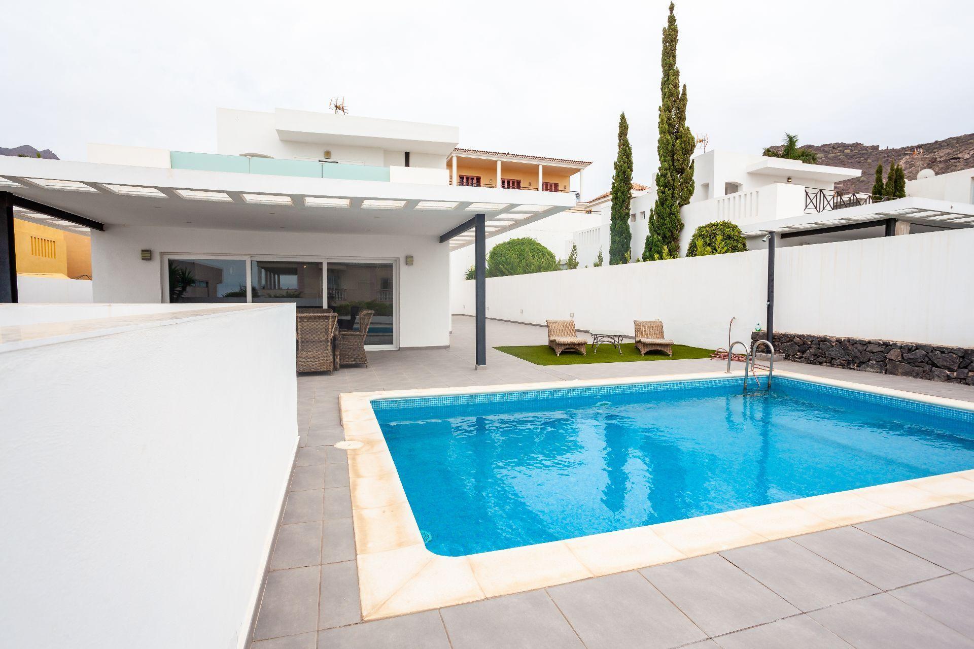 Villa de Lujo en Adeje, Playa Fañabe, venta