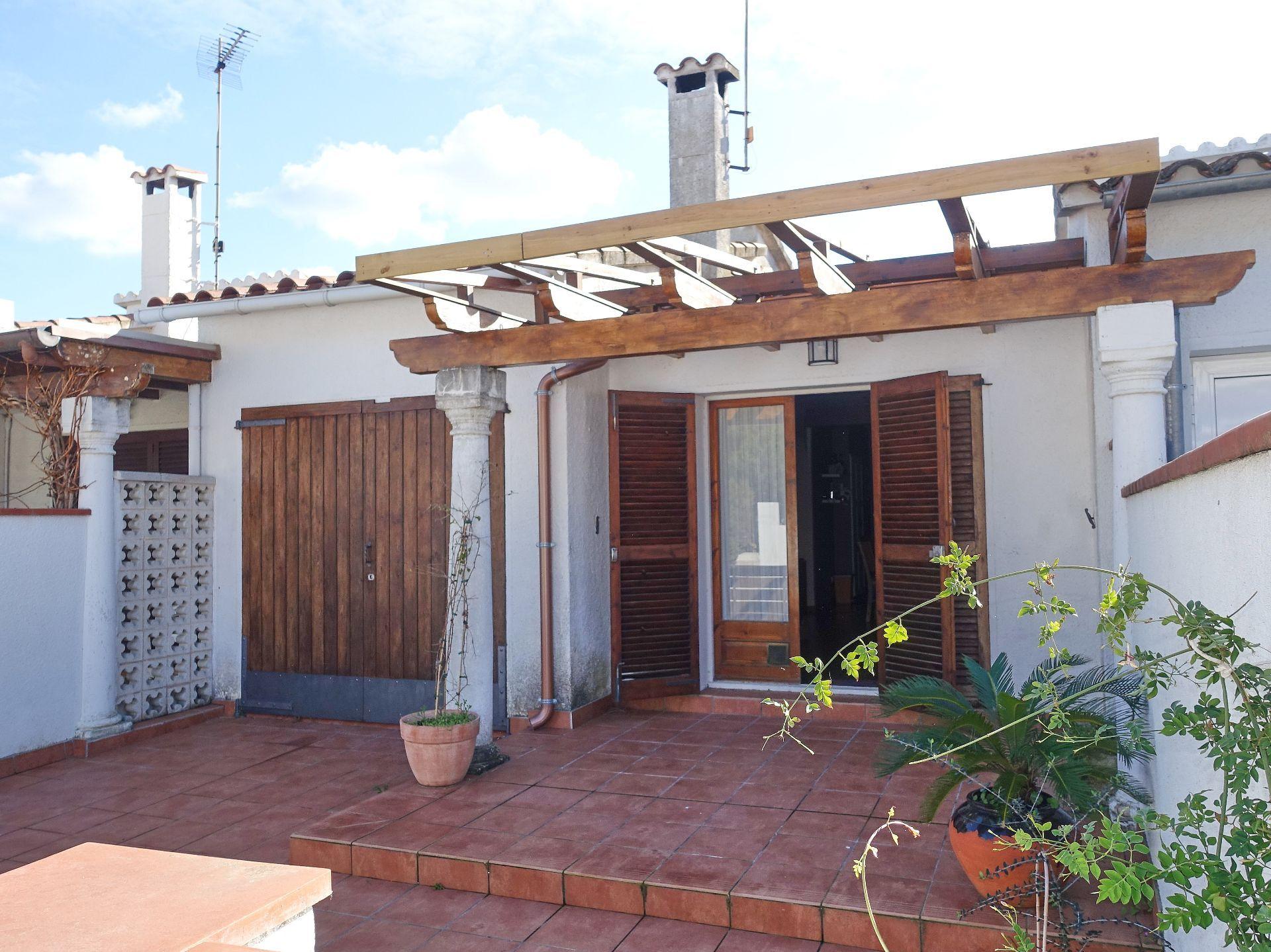Casa adossada a l'Escala, l'Escala Riells, en venda