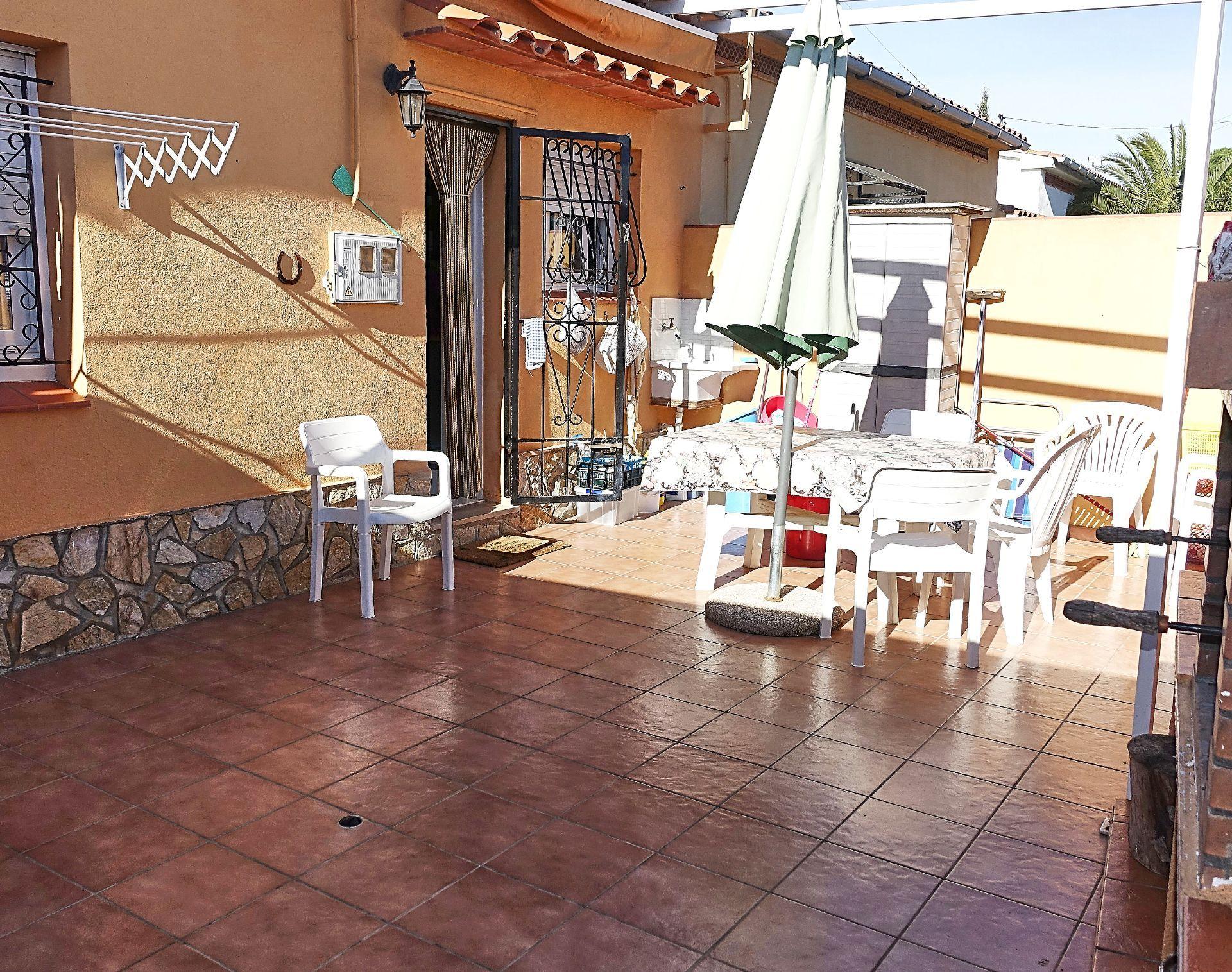 Casa adossada a l'Escala, l'Escala Rosalau, en venda