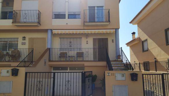 Casa adosada en Villanueva De Viver de 4 habitaciones