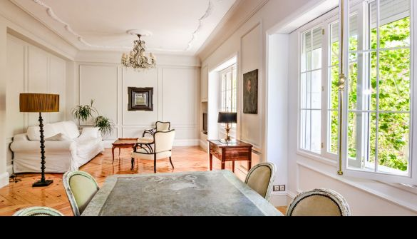 Flat in Madrid, CENTRO, for sale