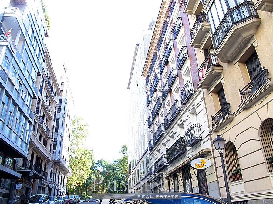 Piso en Madrid, Alfonso XII -JERÓNIMOS, alquiler