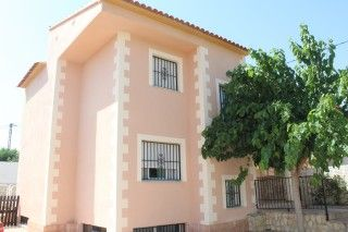 Casa / Chalet en La Nucia, Urbanizaciones, alquiler