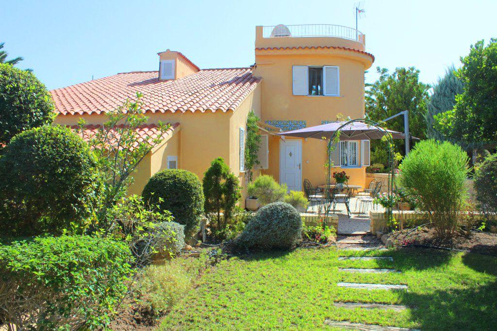 Casa / Chalet en l'Alfàs del Pi, Urbanizaciones, venta