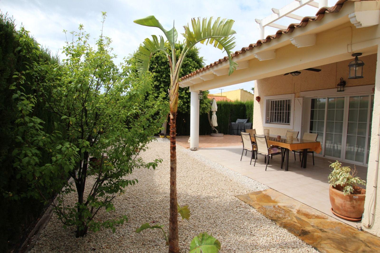Villa in La Nucia, for rent