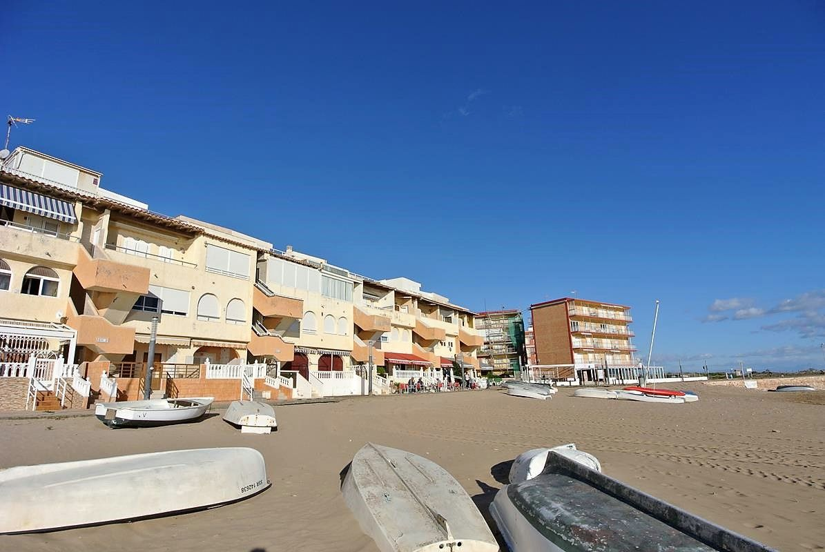Apartment in Torrevieja, La Mata 1ª Linea, for sale