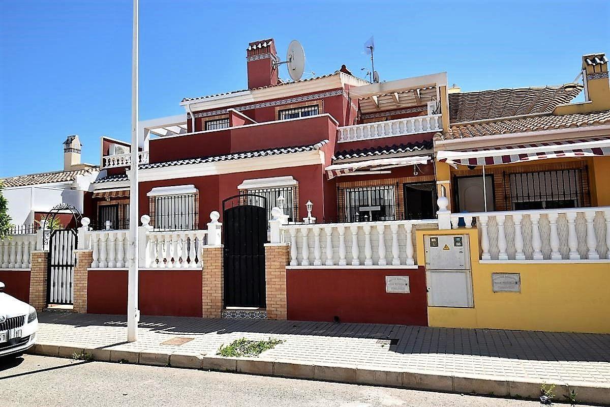 Terraced House in Torrevieja, TORRETA FLORIDA, for sale