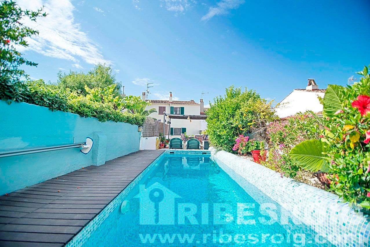 Terraced House in Sant Pere de Ribes, Palou, for sale