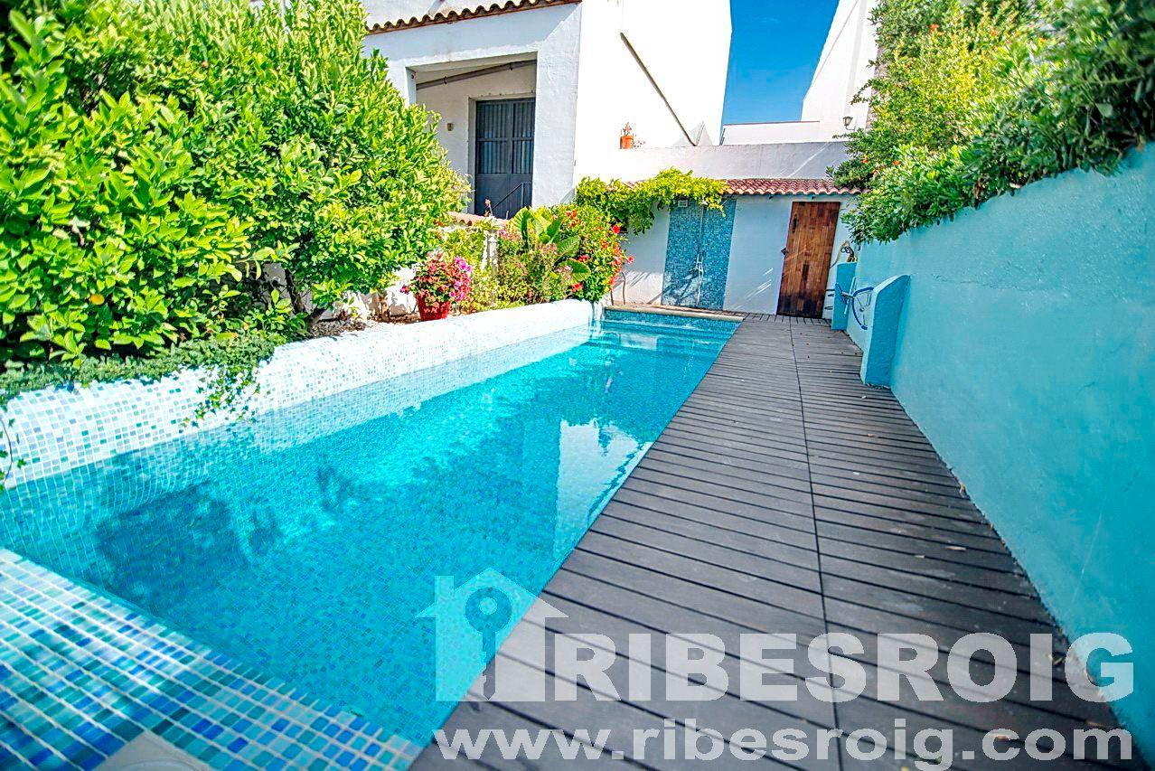 Casa adossada a Sant Pere de Ribes, Palou, en venda