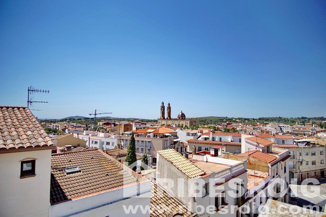 Casa adossada a Sant Pere de Ribes, en venda