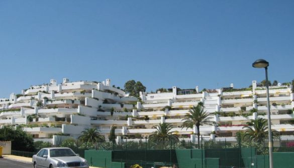 Apartment in San Pedro de Alcántara, Guadalmina Baja, holiday rentals