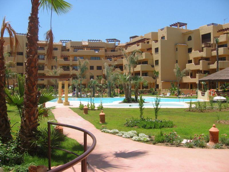 Apartment in Estepona, Costalita-Playa, holiday rentals