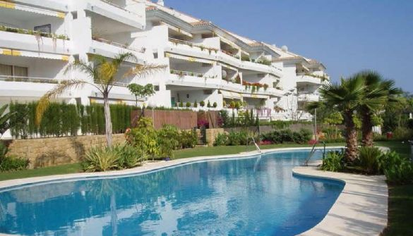 Apartment in San Pedro de Alcántara, Guadalmina Baja, for rent