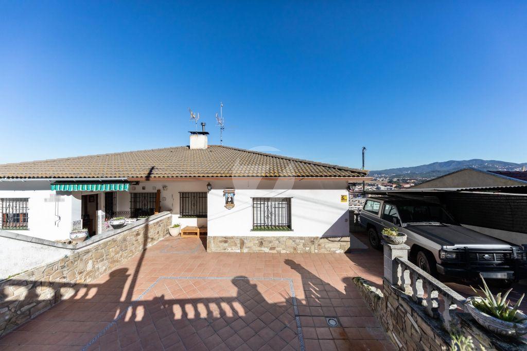 Casa adosada en Montornés del Vallés, venta