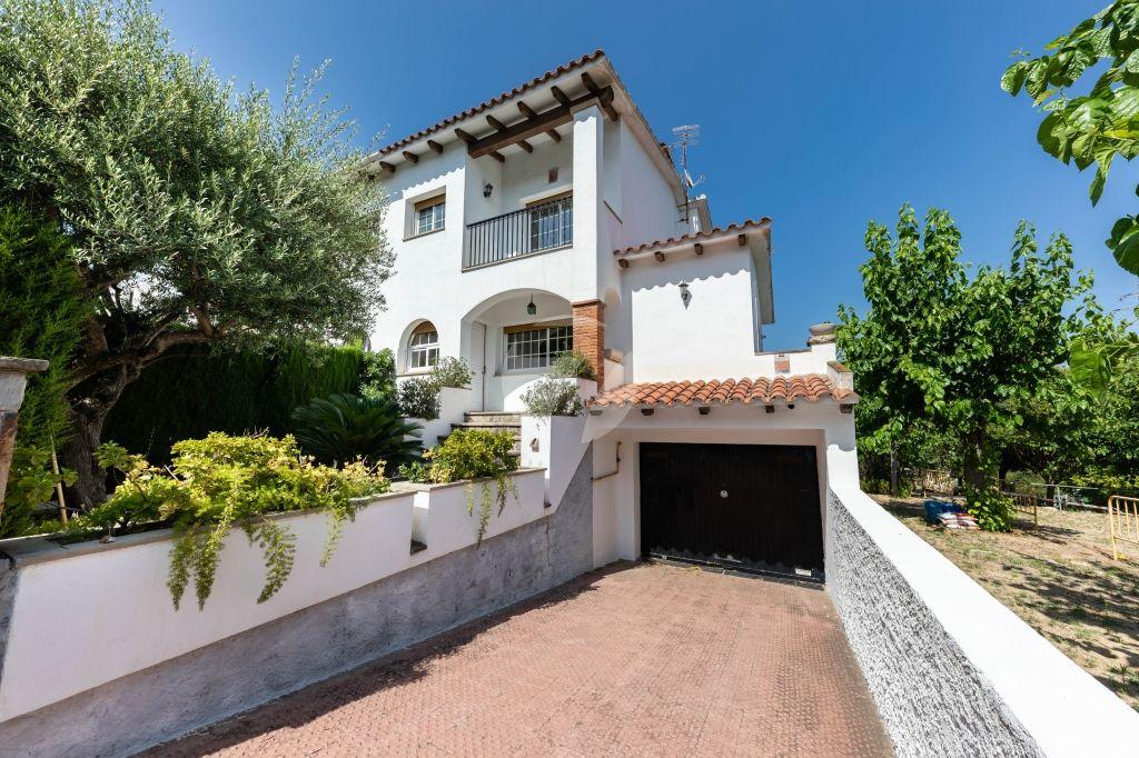 Casa adosada en Premià de Dalt, venta