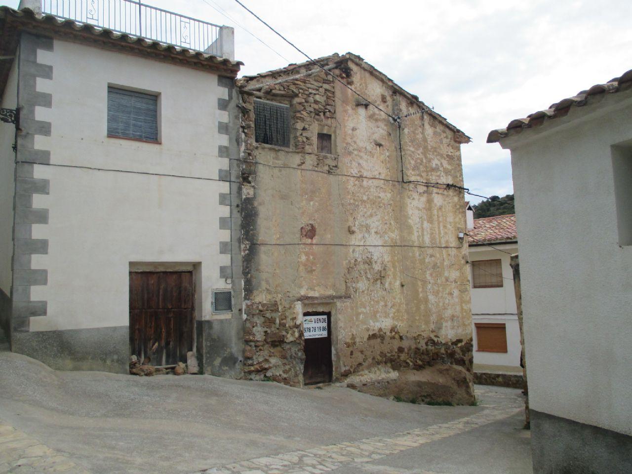 Pikku kaupungin asunto sijainti Cortes de Arenoso, Alto Mijares, myynti