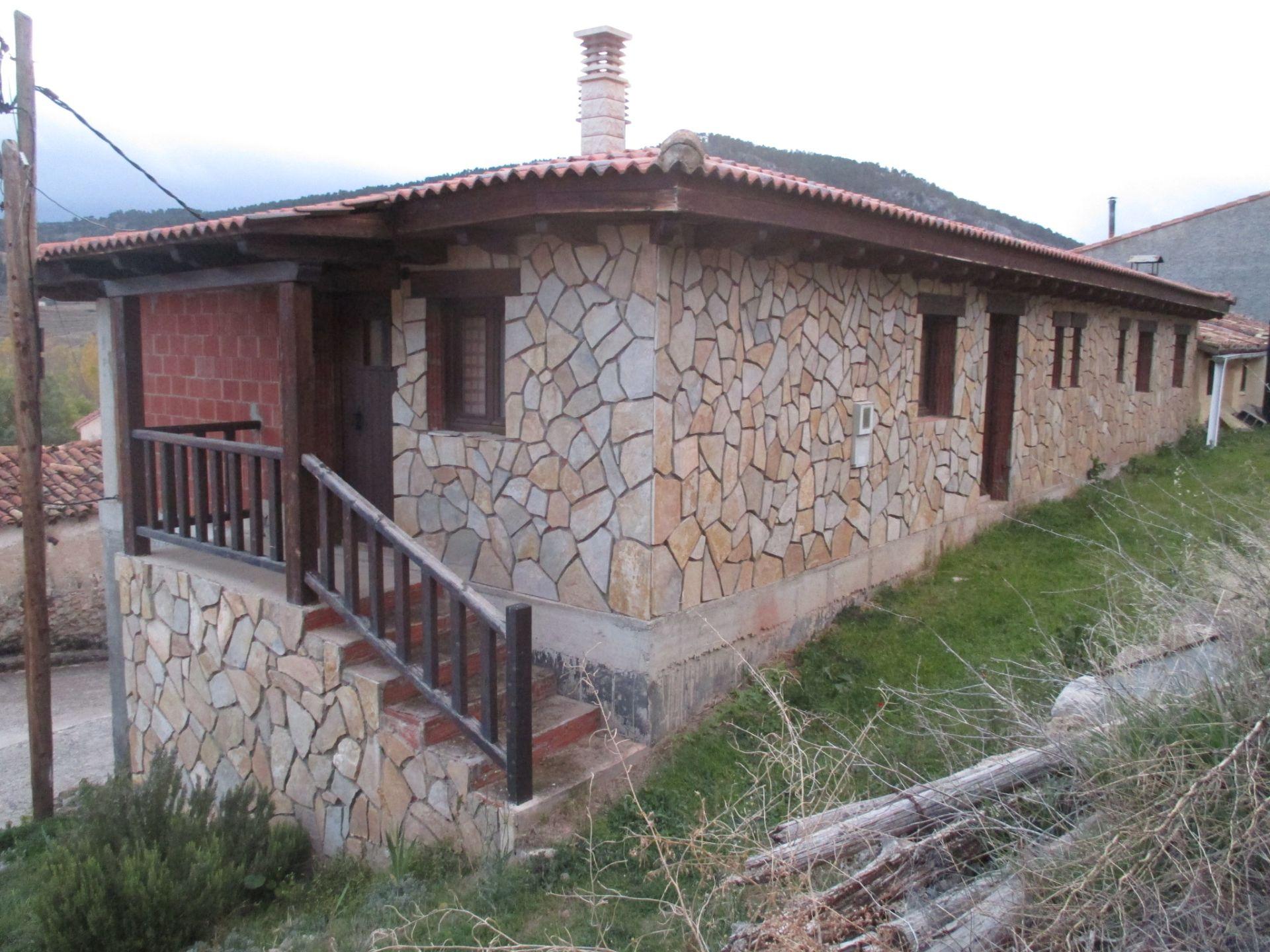 Casa de pueblo en Calomarde, Sierra Albarracín, venta