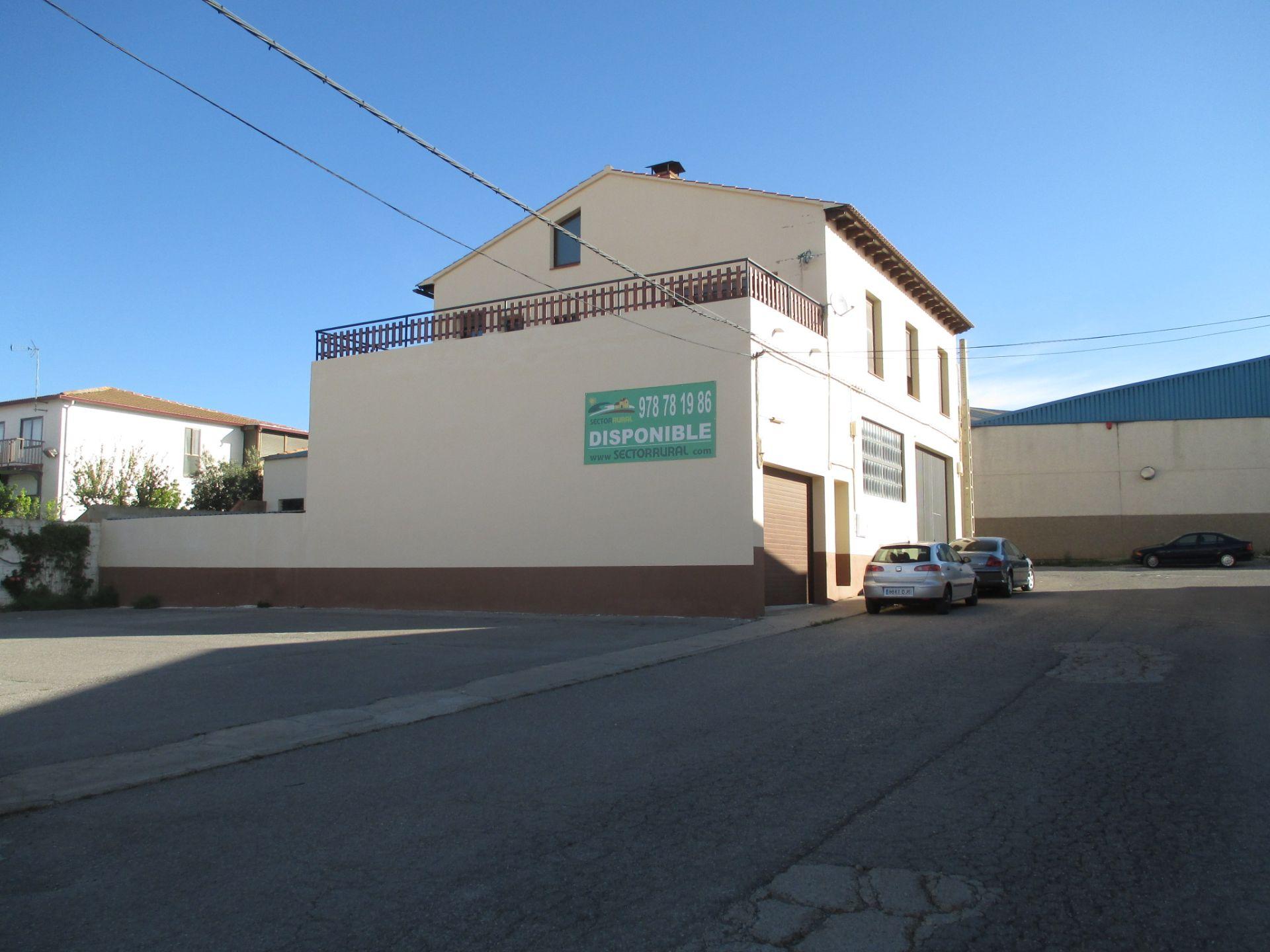 Nave industrial en alquiler en Sarrión