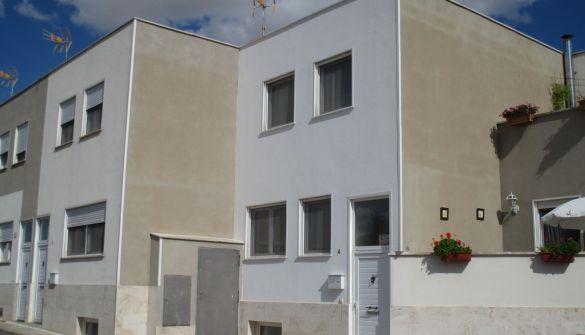 Casa adosada en Villarquemado de 4 habitaciones