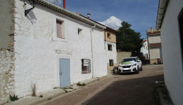 Casa de pueblo en Alustante de 6 habitaciones