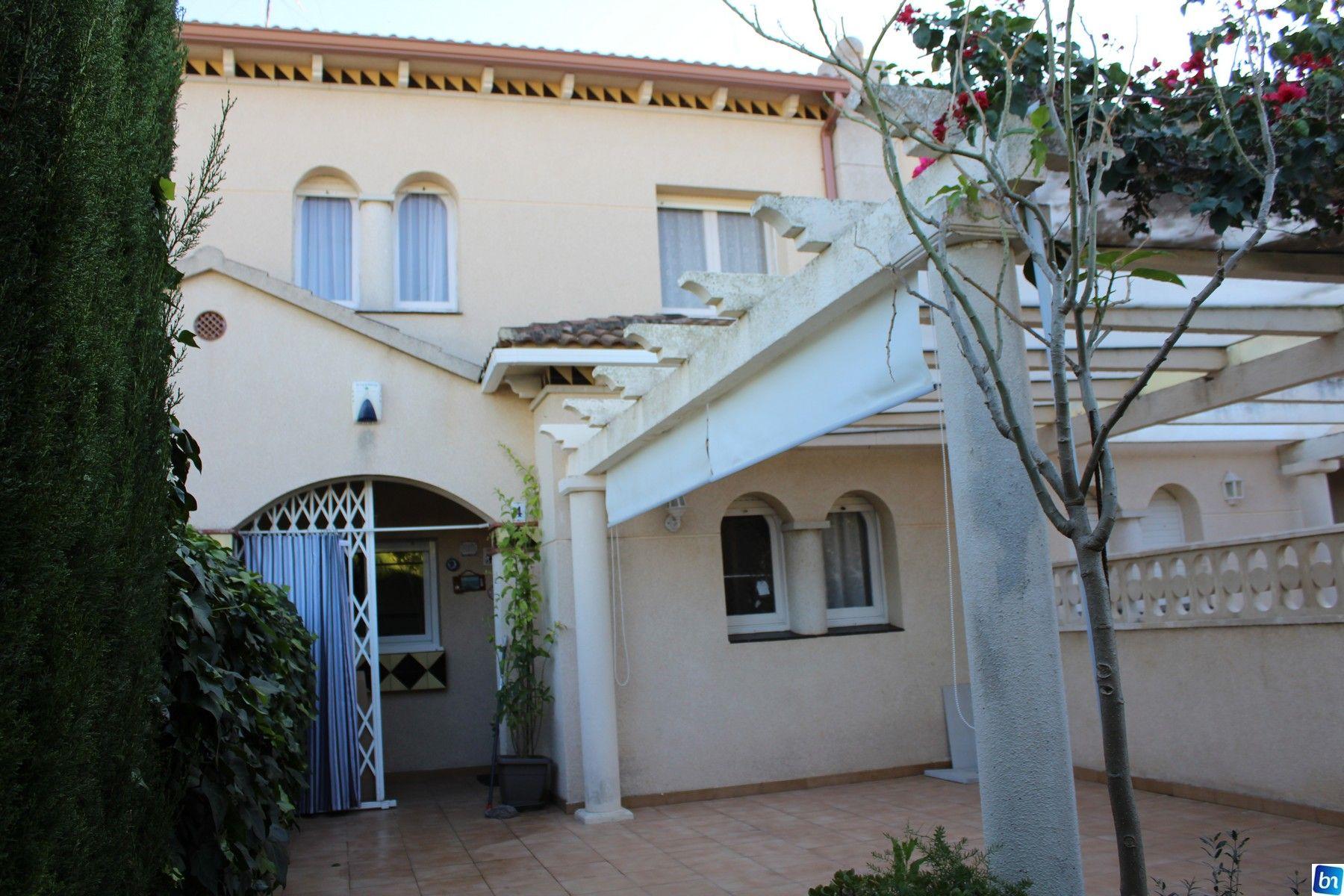 Casa adosada en Roda de Barà, venta