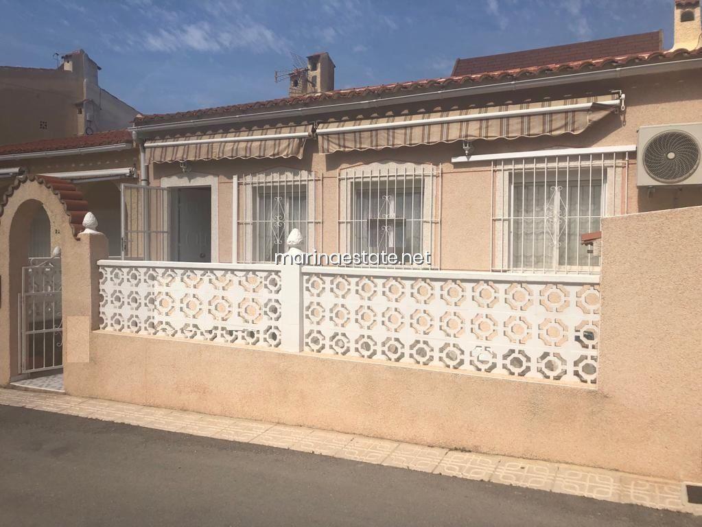 For sale Bungalow in San Fulgencio, La Marina Urbanisation