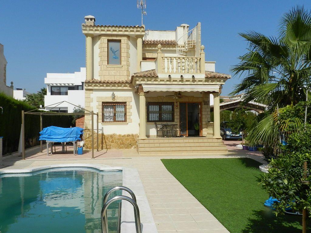 Villa in San Fulgencio, La Marina Urbanization, for rent