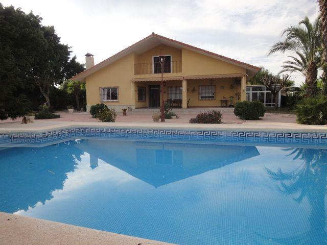 Villa in Elche, for sale