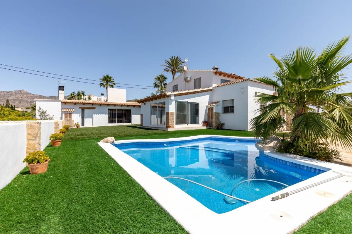 Country House in Crevillente, for sale