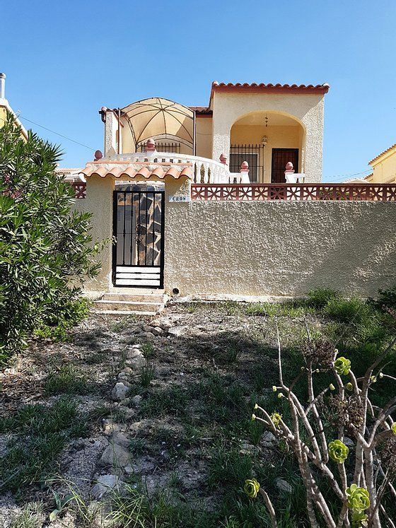 Villa in San Fulgencio, La Marina Urbanisation, for rent