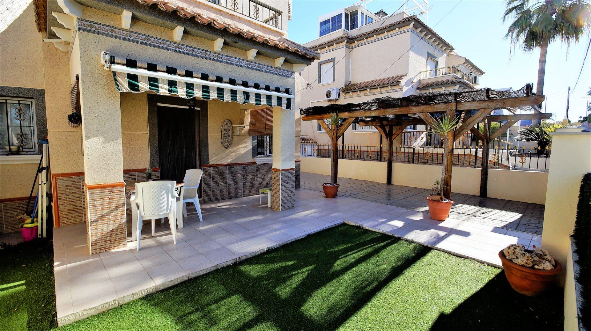 Villa in San Fulgencio, La Marina - Oasis, for sale