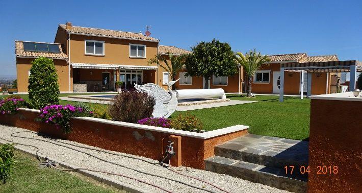 Villa in La Marina, El Molar, for sale