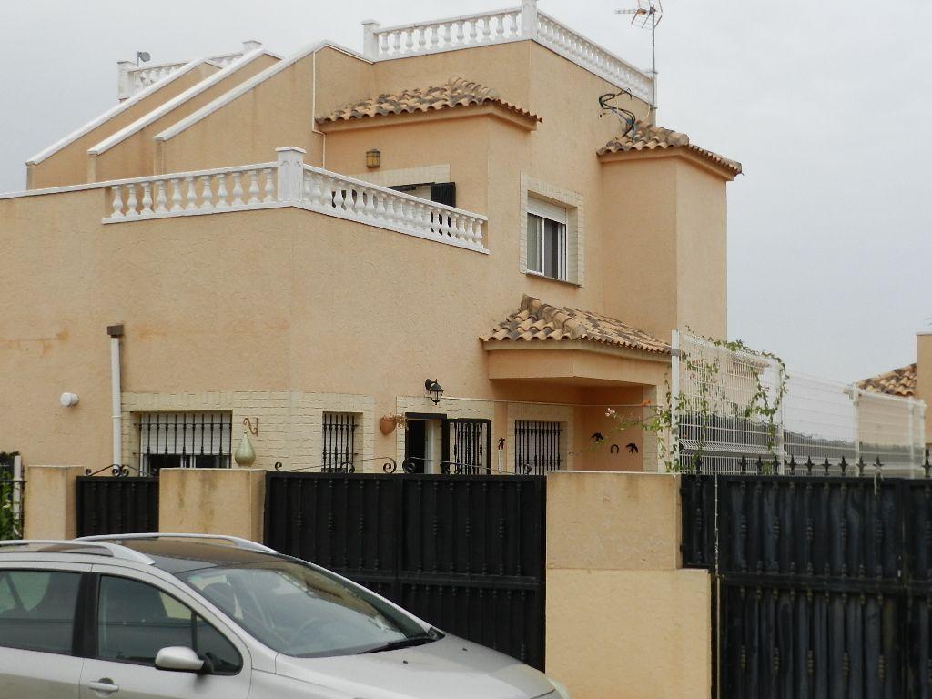 Terraced House in San Fulgencio, La Marina Urbanisation, for rent