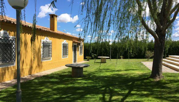 Chalet en Villanueva De La Serena de 6 habitaciones
